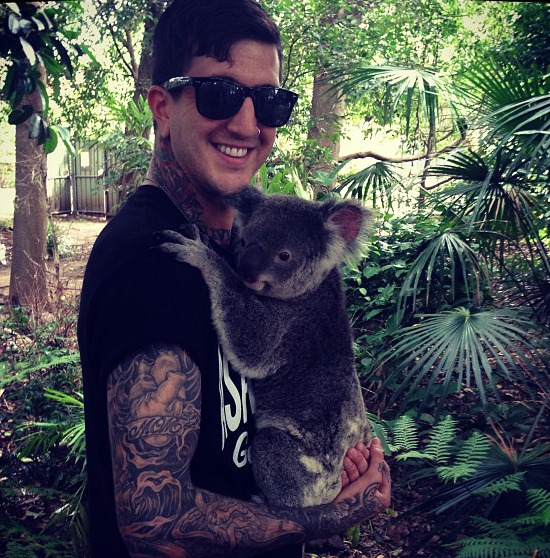 """My Australian girlfriend"" - austincarlile on instagram new favourite picture omg   SCREAMS"