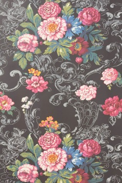 yuns:  Venetian bouquet  Floral design wallcovering.