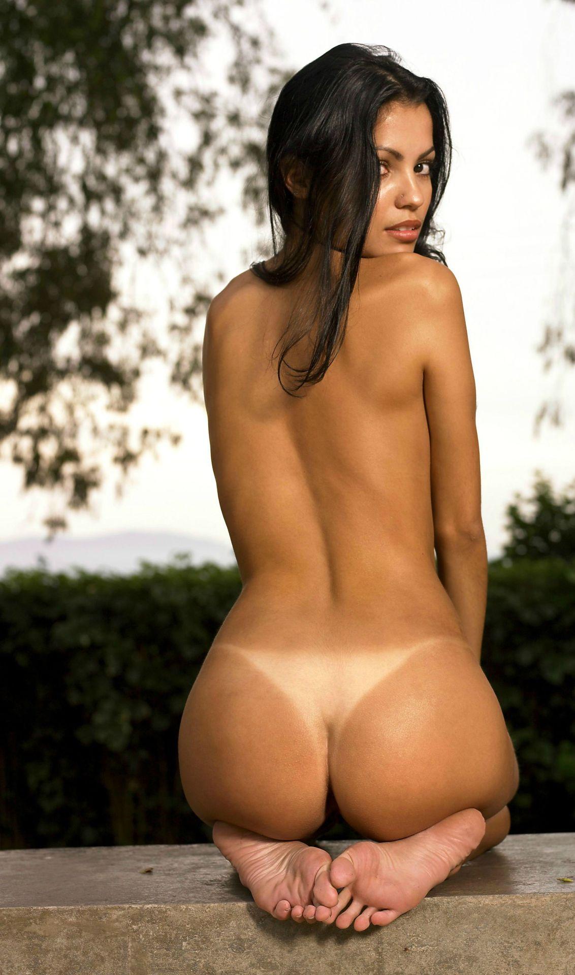 Milana Vayntrub Nude Fakes