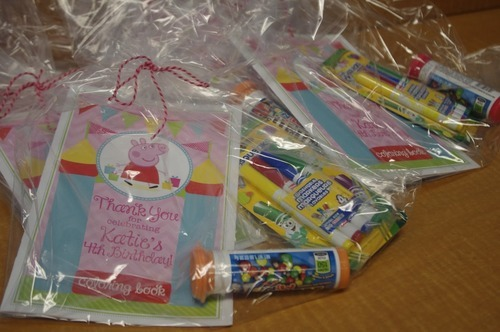 Ending the peppa pig birthday party with a bang join the for Bag decoration games
