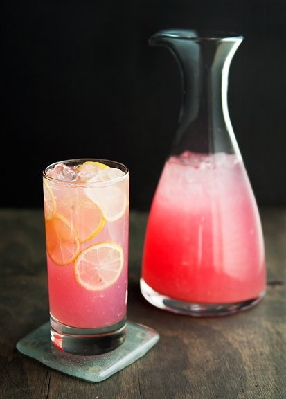 youthfolly:  pink lemonade yum