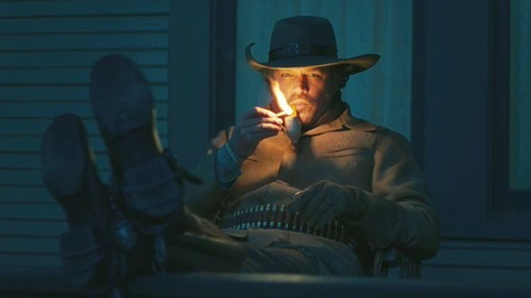 smokingpipes-com:  Matt Damon in the new version of True Grit.