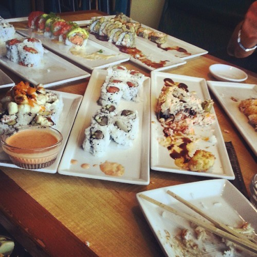Eat good around here .  (at Kabuki Japanese Resturant)