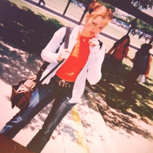 "therxqueen: ""Teen me rocking my bright orange everything #FBF https://www.instagram.com/p/Bnbz–tgkCv/?utm_source=ig_tumblr_share&igshid=1csyobr42hhi """