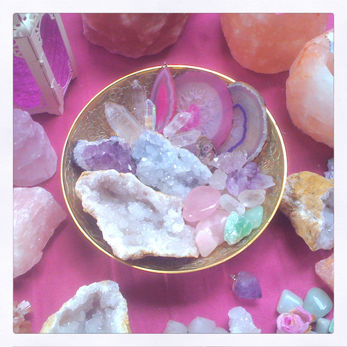 Crystals | via Tumblr on We Heart It - http://weheartit.com/entry/61589219/via/tashaheartsyou   Hearted from: http://sensualbondsofobsession.tumblr.com/post/50544735212/iprefergin-having-a-nice-day-off-organising-my