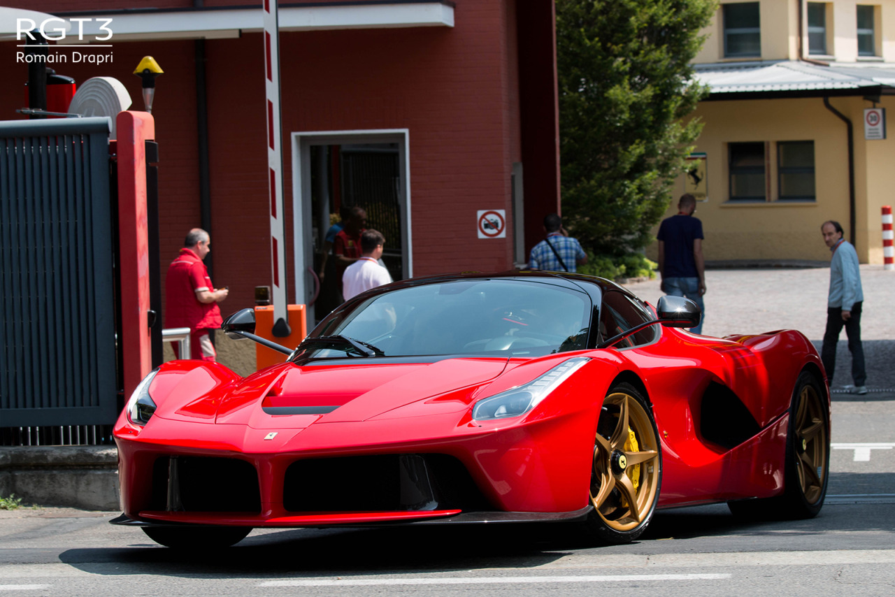 It Cars Ferrari Laferrari Images By Romain Drapri