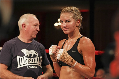 female-boxing:  Lauryn Eagle