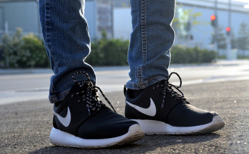 Black Nike Roshe Run on Flickr.Sneakerazzi…