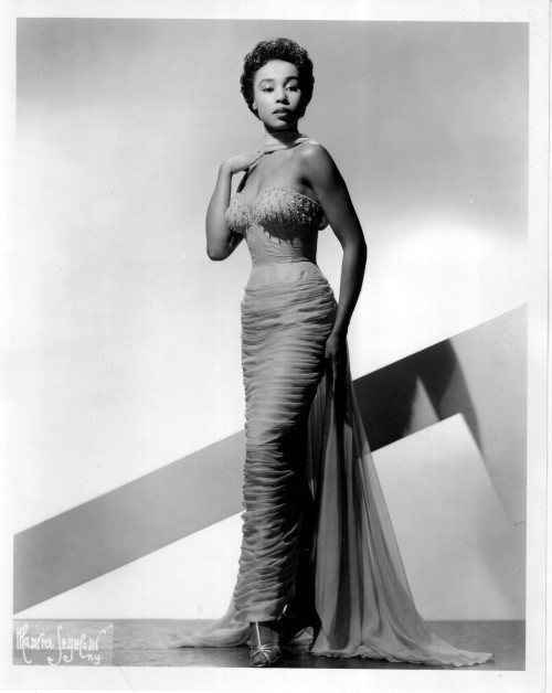 guywoodhouse:  A young Diahann Carroll, workin' it