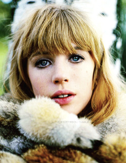 ladiesofthe60s:  Marianne Faithfull photographed by John Kelly ca. 1967
