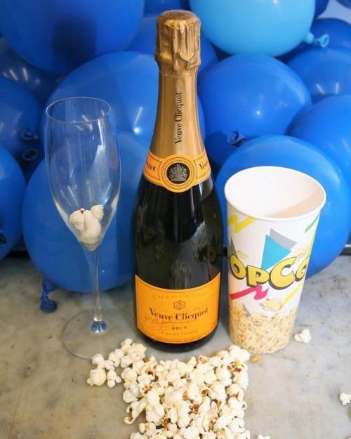 luxurydesign champagne exlusive celebration luxury new popcorntime gourmet italy popcorngourmet popcornlover newentry