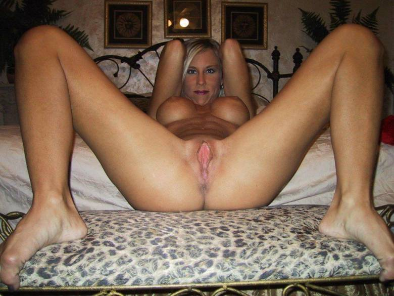 Naked mature moms spread legs