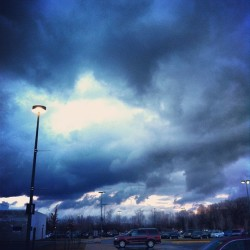 Some breathtaking #clouds leaving work today #sky #clinton township #michigan   (at Henry Ford Macomb Hospital)