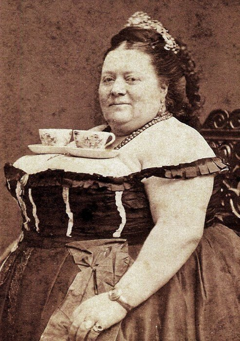 weirdvintage:  A perfect tea tray, late 1800s (via Retronaut)
