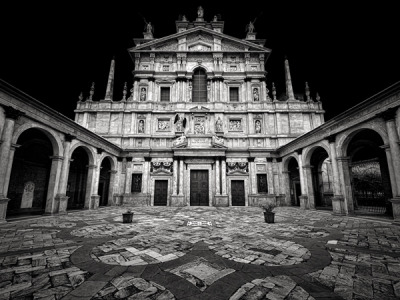 black-and-white:  by Mattia Mognetti (via Unending Lightscapes on Photography Served)