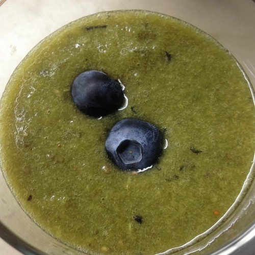 #green smoothie with orange spinach blueberries kale wheatgrass and chia seeds ! Looks gross but so #yummy :] #foodbyaua #healthyhabits #happiness