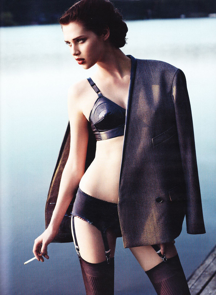 modelsandstuff:  Anais Pouliot by Horst Diekgerdes for Vogue Germany