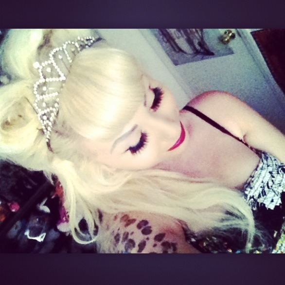 xzombiegurlx:  I told you im a Disney princess! It's my birthday BITCHEZ!