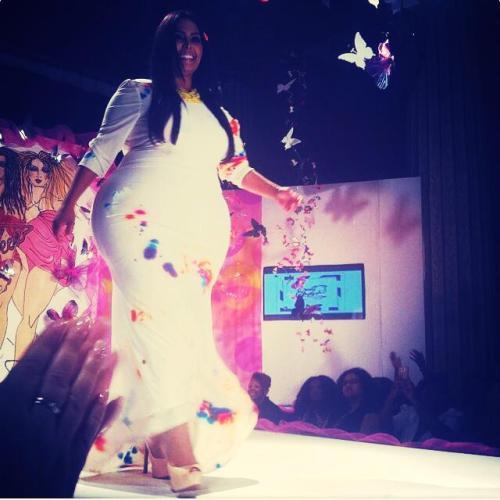 subtlefeeder:Rosie Mercado wearing Eyani Couture @The AnnualFull Figured Fashion Week NYC 2014ABBONDANZAlarge breeding hipsfianchi belli larghi e pieni