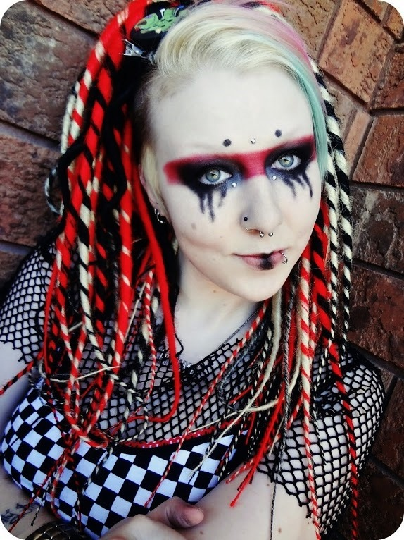 sweetdisease:  My mohawk is long enough for dread falls again :) And this makeup look is a tutorial I'm about to upload to my youtube channel :) It's simple but nice.