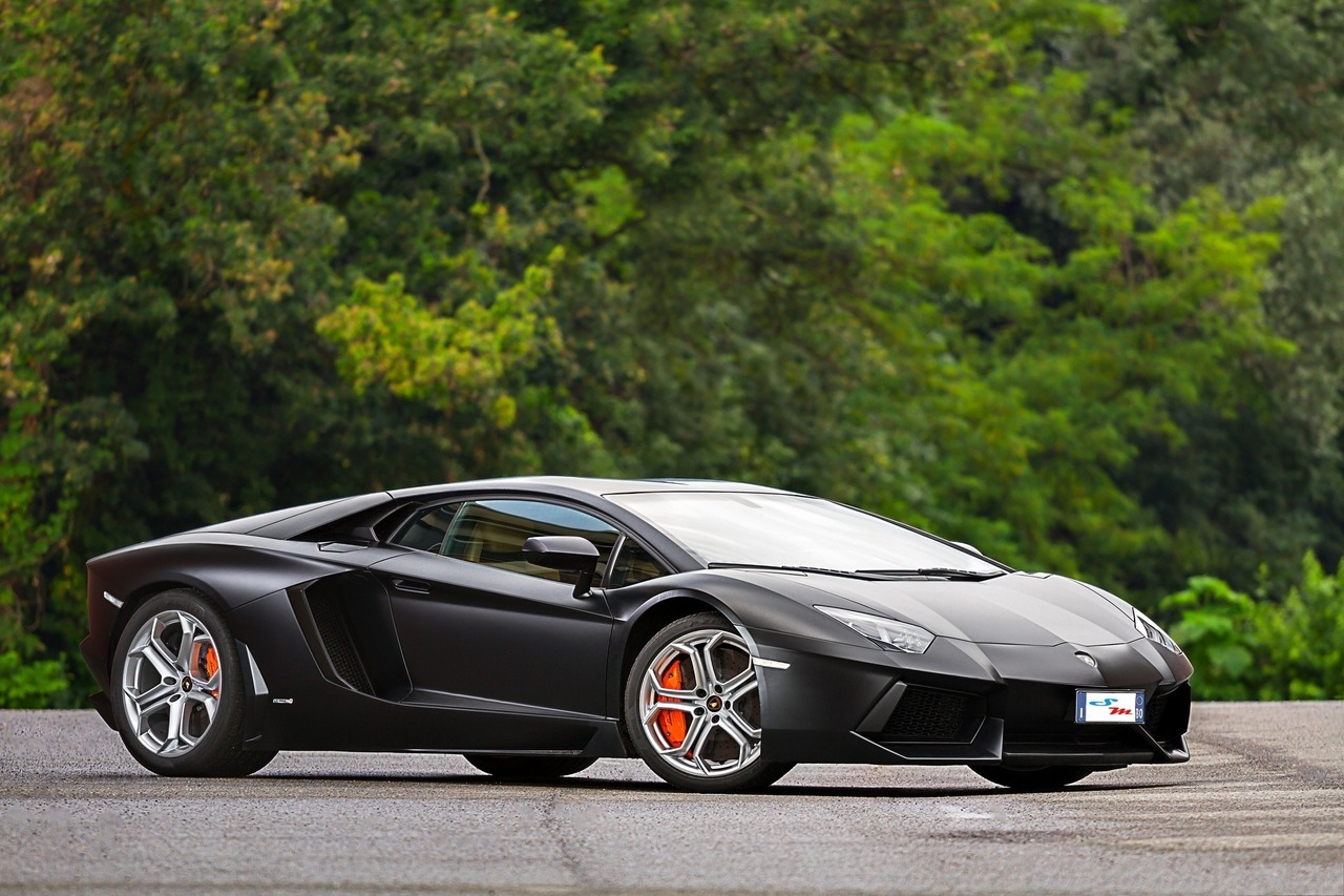 Lamborgini aventador, backgrounds hd wallpapers -> www.HotSzots.eu
