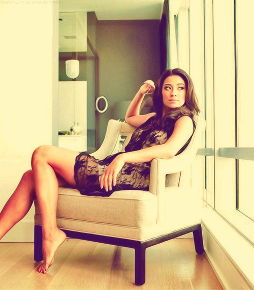 kellyphoumiv:  Girl crush on shay mitchell? Yes, indeed.
