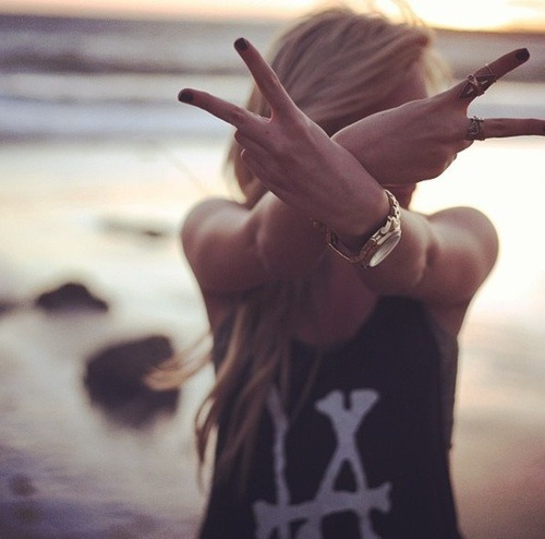 rock girl | via Tumblr on We Heart It - http://weheartit.com/entry/62136184/via/annamthrfckr   Hearted from: http://theneverendingstoryxd.tumblr.com/post/50977873259