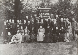 Group photo of the Hammersmith Socialist League (by University of Maryland)