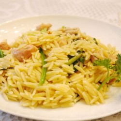 This is a simple recipe with a spicy kick for garlic lovers. It is my combination of a much loved linguine and clam sauce dish and a recent introduction to orzo pasta. #Garlic Chicken With Orzo Noodles #Garlic#Chicken#With#Orzo#Noodles