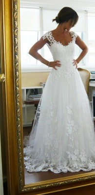 loveee2smiles:  i want this dress and my fairytale wedding!