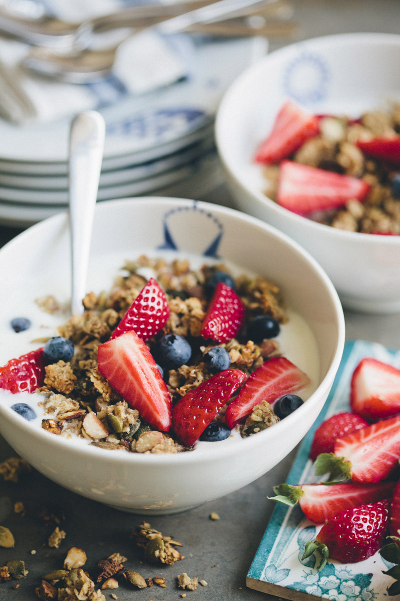 all-things-bright-and-beyootiful:  Banana Granola via Green Kitchen Stories