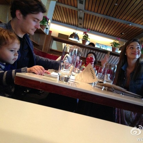 love-miranda-kerr-fan:  I wonder how I would react if I happen to be sitting next to Miranda Kerr at a restaurant…
