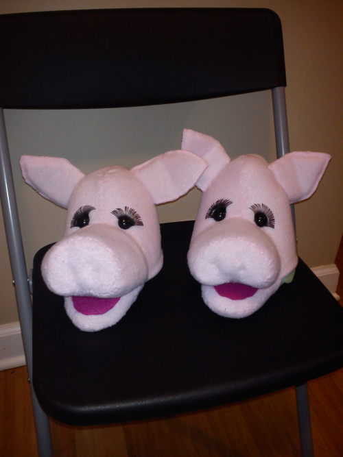 Happy Monday! Here are two Pig Puppet-Heads. Bodies are still in the works but hopefully done soon!