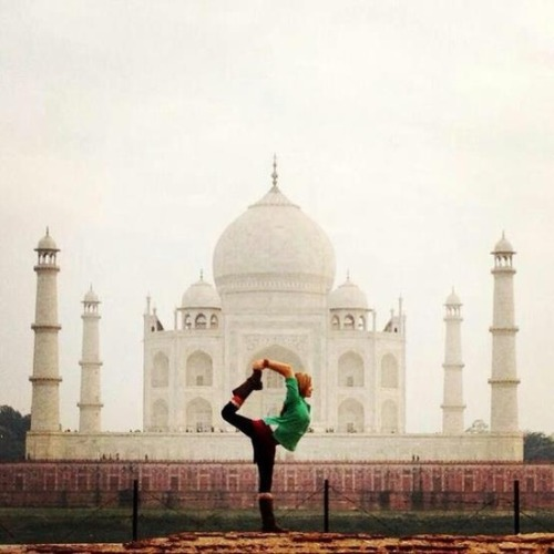 yogaholics:  Follow me if you love yoga!