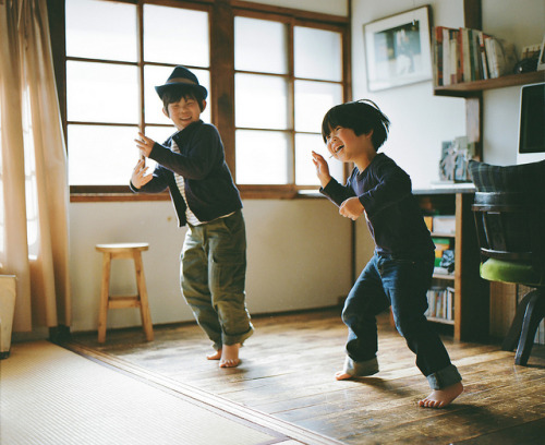 josavenue:  dance to the music by Hideaki Hamada on Flickr.