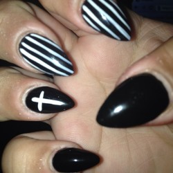 Stiletto nails love them! Went for something new and with my style black and white :) #stilettonails #claws #nailsdone #stripes #cross