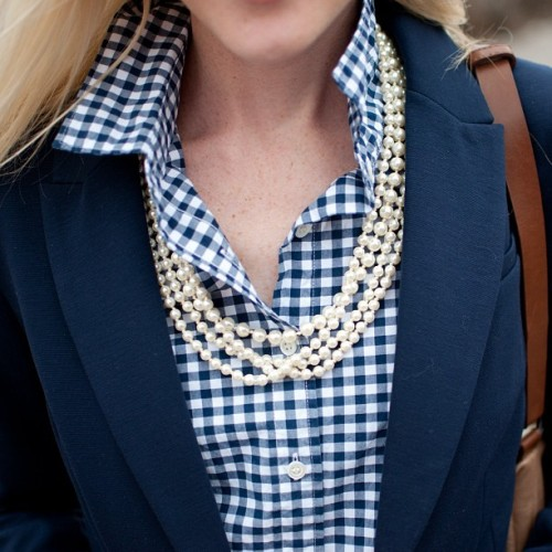 kellyinthecity:  Jcrew gingham, blazer and pearls. #jcrew #jcrewaddict #jcrewproblems #pearls #prep #preppy #gingham NYC FASHION BLOGGER: www.kellyinthecity.com