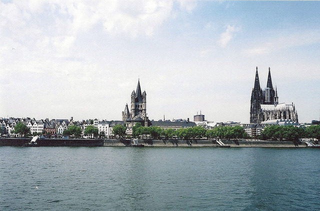 diggingforkryptonite:  Cologne, Germany by jivedanson on Flickr.