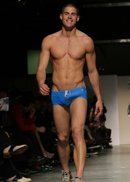 hotsouls:  super model chad white!!   Ok.