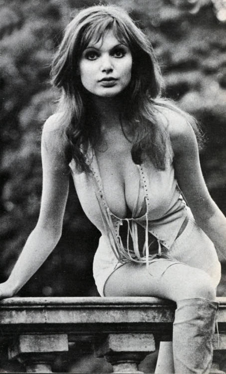 mondotopless:  Madeline Smith