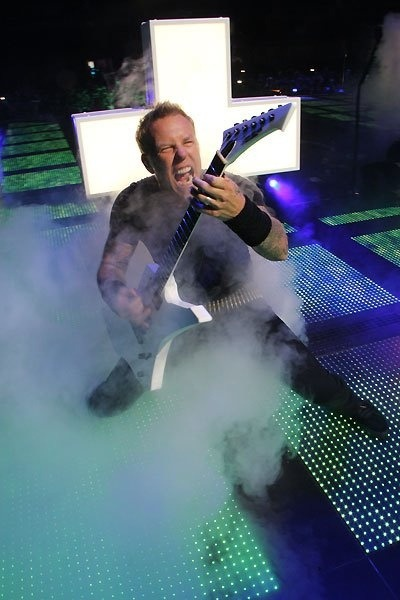 rocknrollhighskool:  Metallica's James Hetfield coming over a bit Spinal Tap…