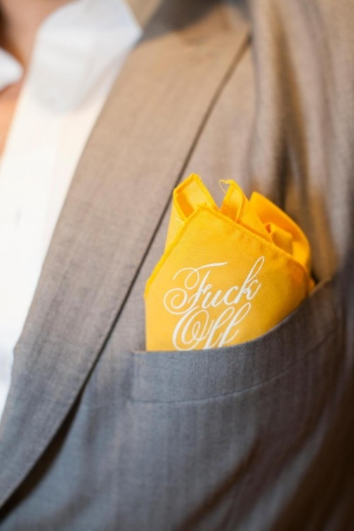 FUCK OFF POCKET SQUARE, ¿demasiado transgresor?