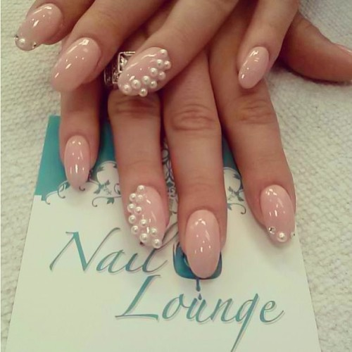 "💅🍸""Nude & Pearls"" by @rosamnails #nail #nails #nailart #naillounge"