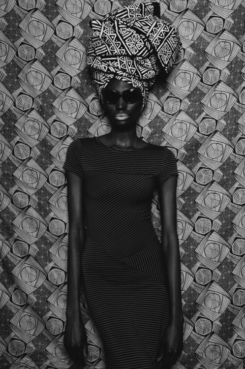 quazimottoonwax:  Luanda '77 || Ania Styled/Shot by J. Quazi King Assistant/MUA: Cassi Renee http://quazimottoonwax.tumblr.com/ Instagram = @Quazimottoonwx   You know I love it when prints come together.
