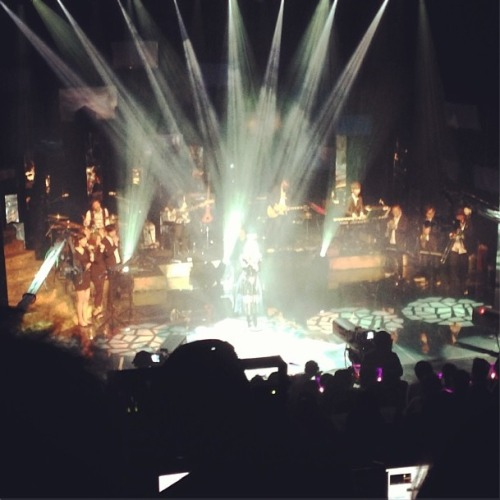 flyhayi:  [INSTAGRAM] Lee Hi shining:) @ her first solo concert