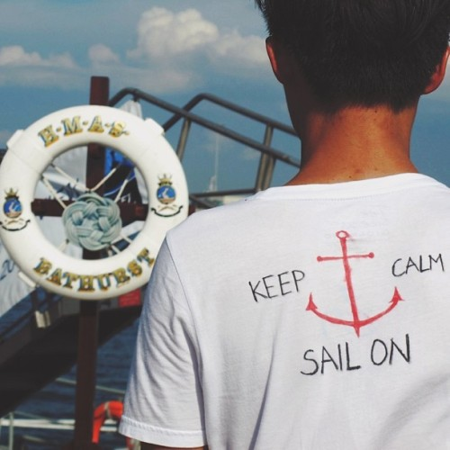 Life motto of a sailor: Keep calm, sail on! Rough waves don't last but tough sailors do. Anyway, just blogged about #navyopenhouse so please read it on my #blog ulimali.blogspot.com! (at Changi Naval Base)