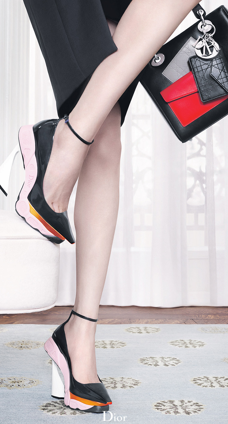 Closeup on the hybrid stilettos in the Autumn-Winter 2014-15 Ready-to-Wear collection.