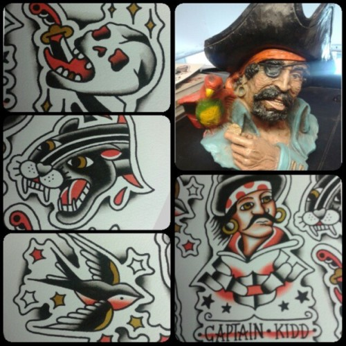 moar pyrate flash getting done! aye! #pirate #traditional #traditionaltattoos #pyrates #swallow #skull #captainKidd #tattooflash