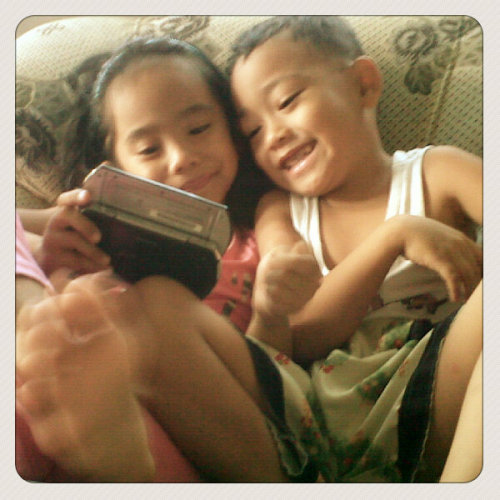 kids havin fun!! (Photo taken and uploaded via MOLOME )