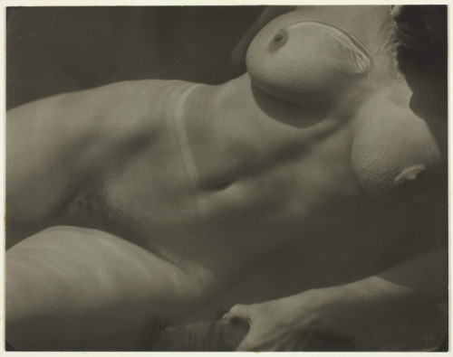 realityayslum:  Alfred Stieglitz - Rebecca Salsbury Strand (Wife of Paul Strand), 1922. … via The Art Institute of Chicago
